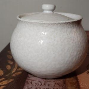 Dansk lindestone sugar bowl